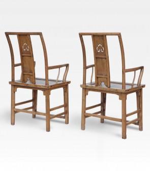 Coppia di sedie cinesi laccate in legno di olmo