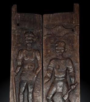 Portale tribale inciso appartenente all'etnia Naga