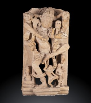 Scultura indiana raffigurante Shiva a otto braccia in danza tandava