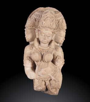 Antica scultura indiana raffigurante Tridevi