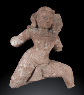 Scultura indiana raffigurante il guerriero Arjuna