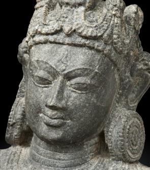 Preziosa scultura in scisto di Gangadevi, arte bengali
