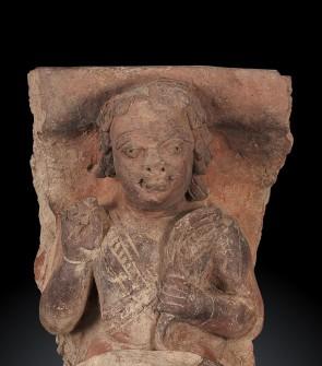 Antica terracotta Gupta raffigurante Arjuna